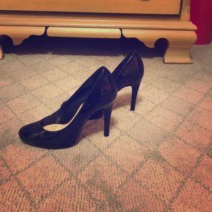Black pumps size 5 1/2